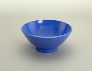 Light blue dessert bowl.