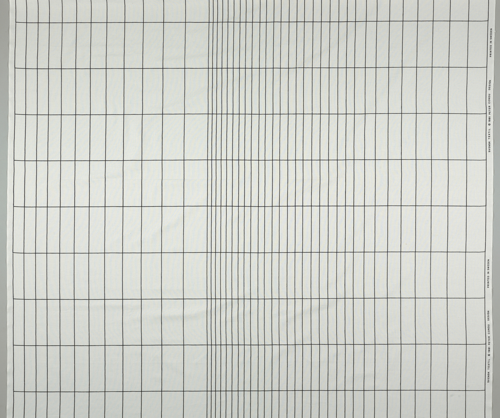 Graduated grid in black and white