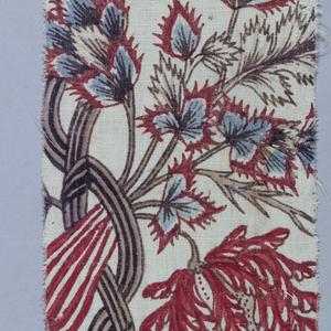 Curving stem with fantastic flora.