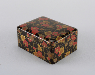 Box And Cover (Japan), 1920
