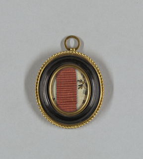 Medallion With Sample