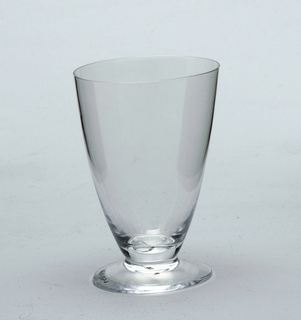 wine glass lightly oval shaped goblet in plan
