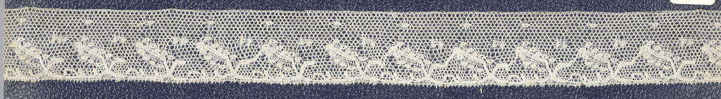 Bobbin lace border, floral borders; early 19th century Point de Paris.