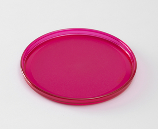 Transparent fuschia plate with lip