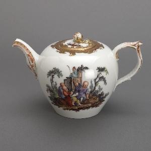 Teapot with Chinoiserie Vignettes Teapot