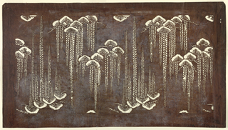 Repeated motifs of pine trees and wisteria