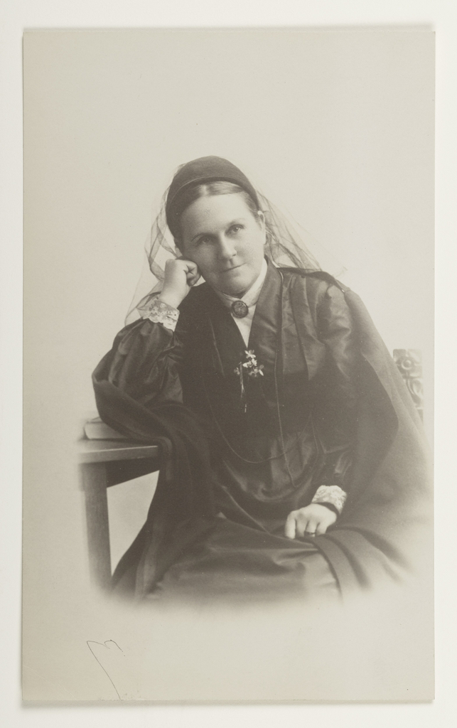 Photograph of Miss Sybil Carter, an Episcopalian missionary who taught lace making to American Indian women starting in the late nineteenth century.