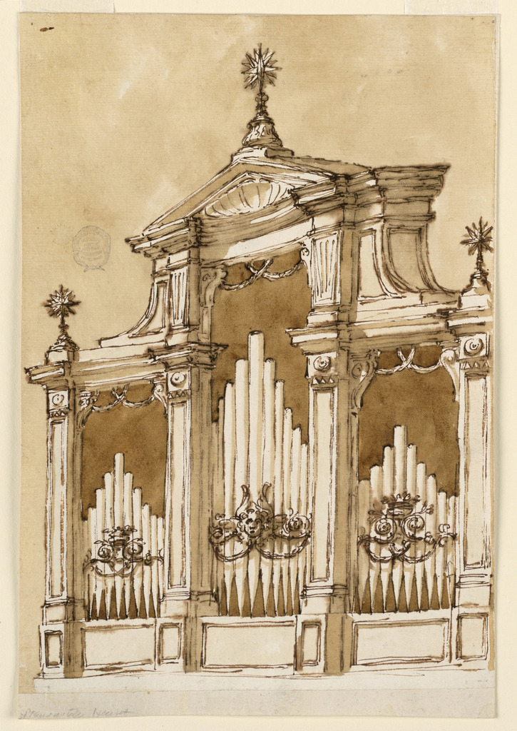 Vertical rectangle. Tripartite, the central part being higher than the lateral ones. The pipes are standing upon panels and have in front, in the central part a cherub with scrolls and festoons, in the lateral parts a crown above scrolls and festoons. Two crossed festoons are hanging into each part from teh upper edge. Above is a pediment over an entablature with a frieze, which is concave above the central part. The pediment is triangular with a shell inside. At the outside corners and on top of the pediment are starts supported by a foot. The wall is colored.