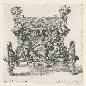 Rear view of carriage: a group consisting of four seated children and a seated woman rises over the rear axle. The woman carries a bracket with four crowns upon her head.