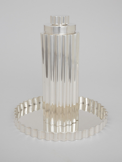 Fluted cocktail shaker with matching crimped edge tray