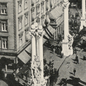 The Dewey Arch, Spanish American War, erected in New York 1899, welcoming return of Admiral Dewey, September 30, 1899, seen from above, looking North. Below, descriptive captions.