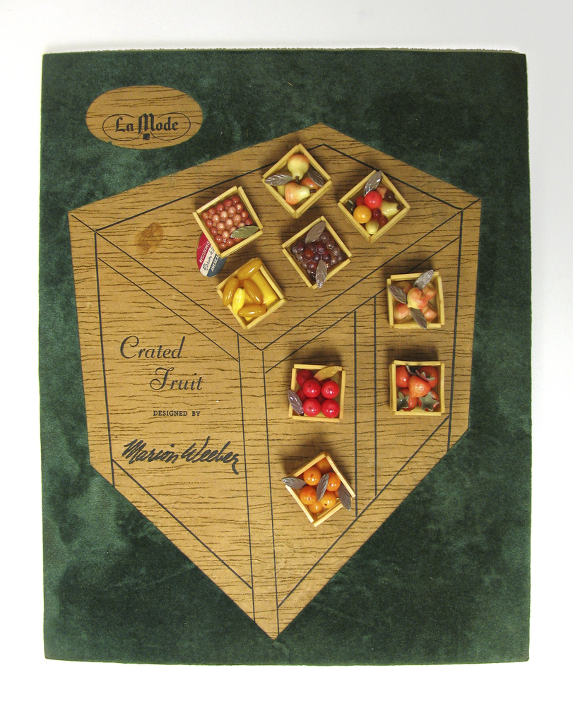 """""""Crated Fruit"""" Button, 1947"""