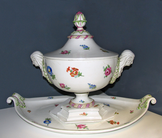Soup Tureen and Tray Tureen And Tray