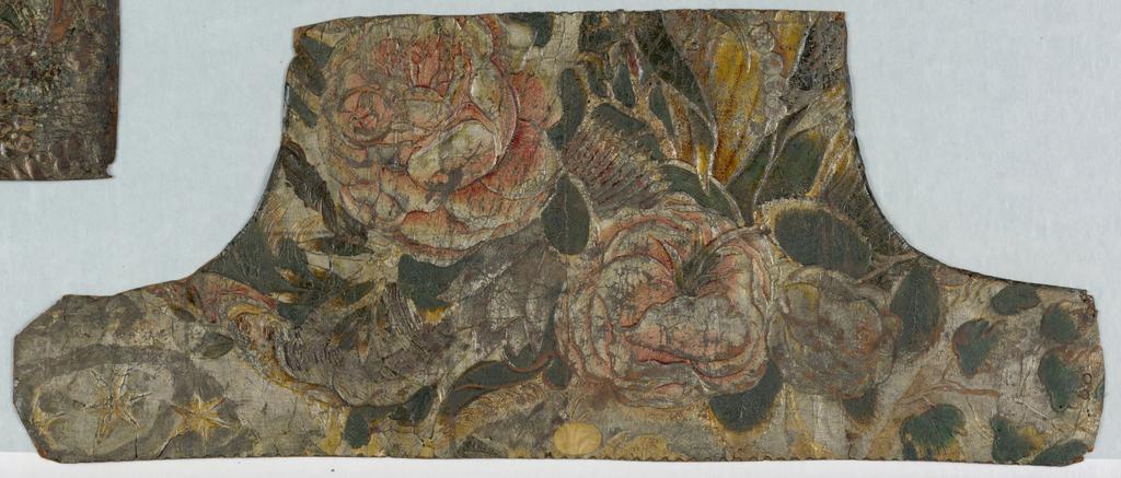 Irregular shape, large-scale pink rose-like flowers, strung beads.
