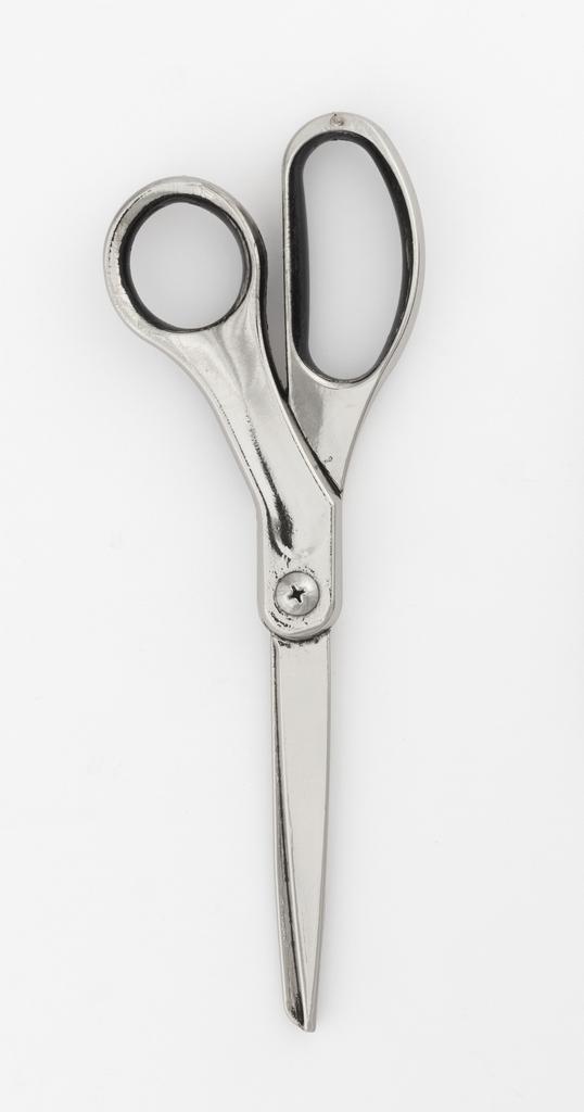 Scissors, 2015