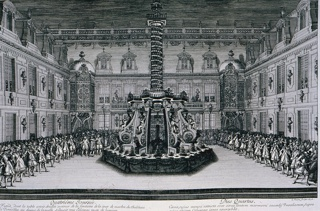 Horizontal rectangle:  At center, in a court of the chateau, a fountain is surrounded by a temporary structure and an octagonal banquet table.  Above the fountain, a victory column illuminated by candles.  Soldiers hold back a crowd on three sides.