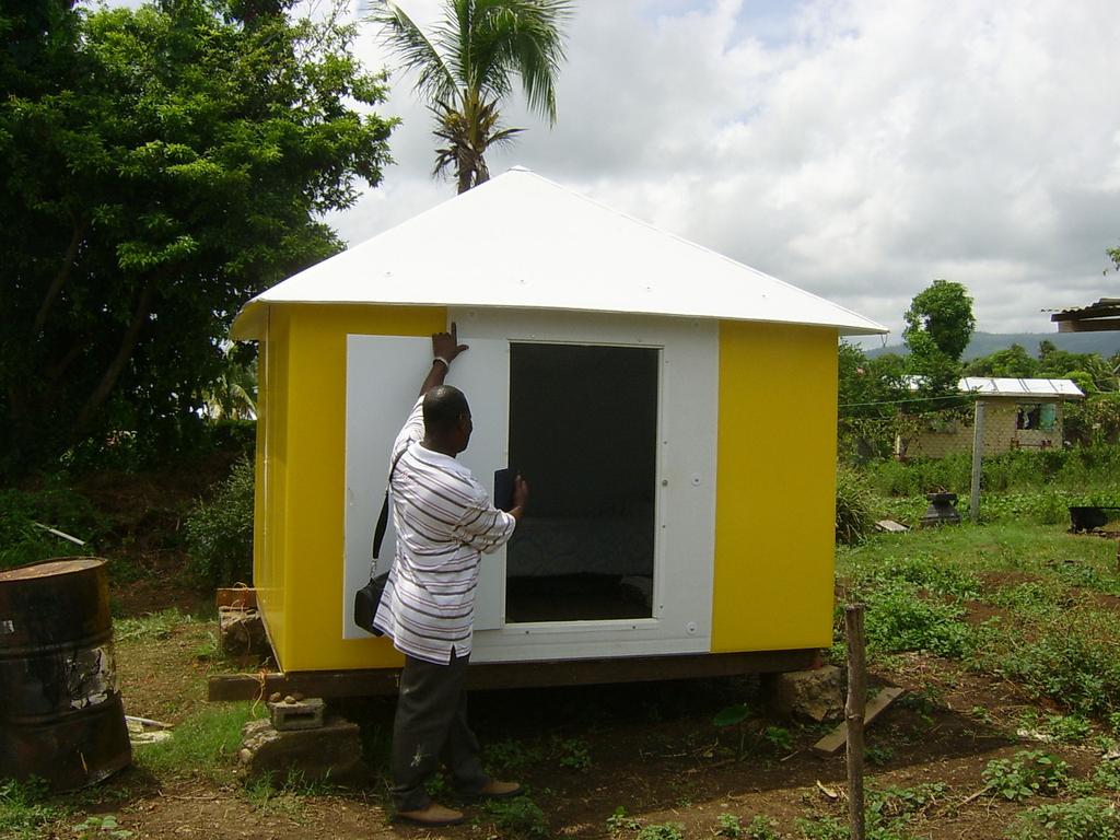 Global Village Shelter, 2004