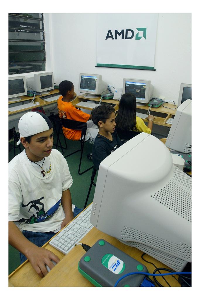AMD Personal Internet Communicator, 2004