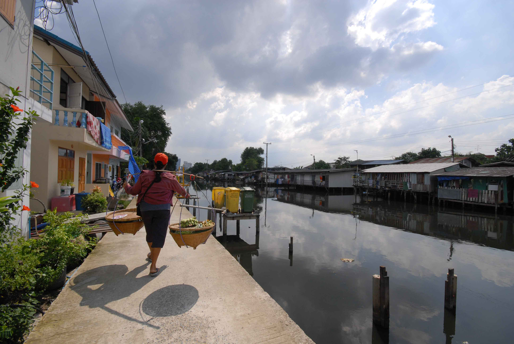 Bang-Bua Canal Community Upgrading, 2004–11