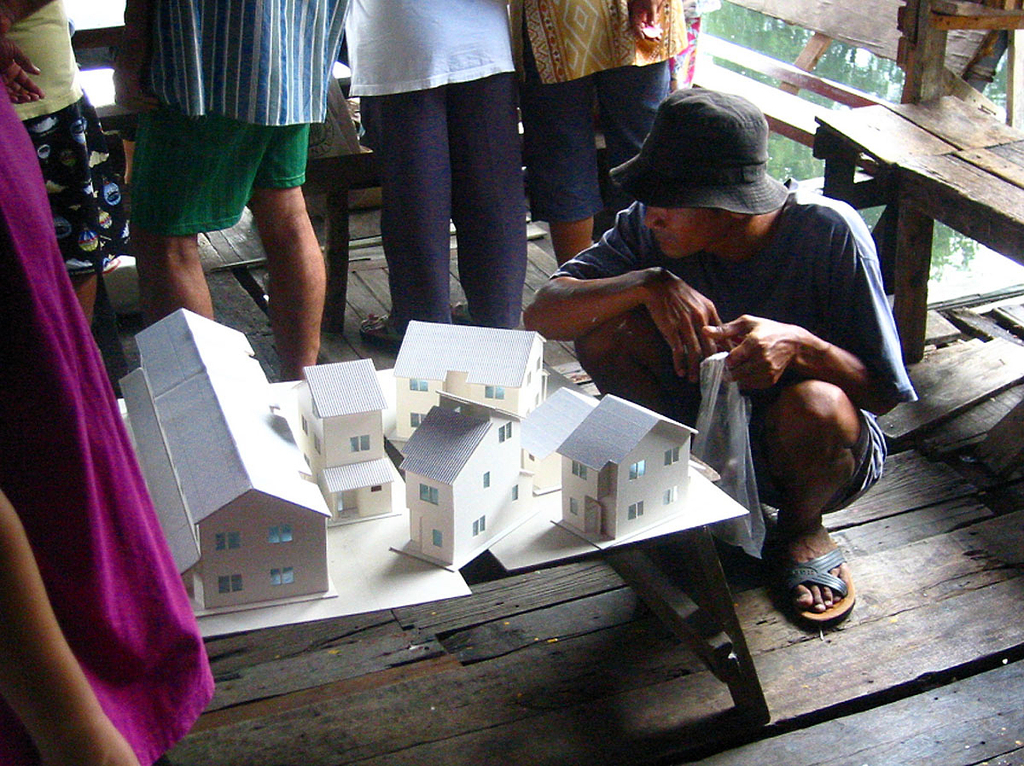 Bang-Bua Canal Community Upgrading, 2004–11