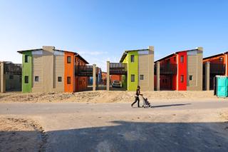 10 x 10 Sandbag House, 2008–09