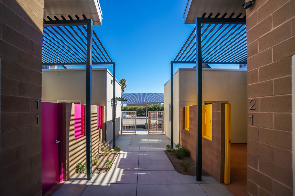 Las Abuelitas Kinship Housing, 2012–13