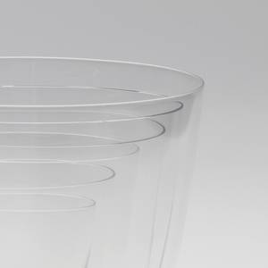 Thin mouth-blown crystal cocktail tumbler.