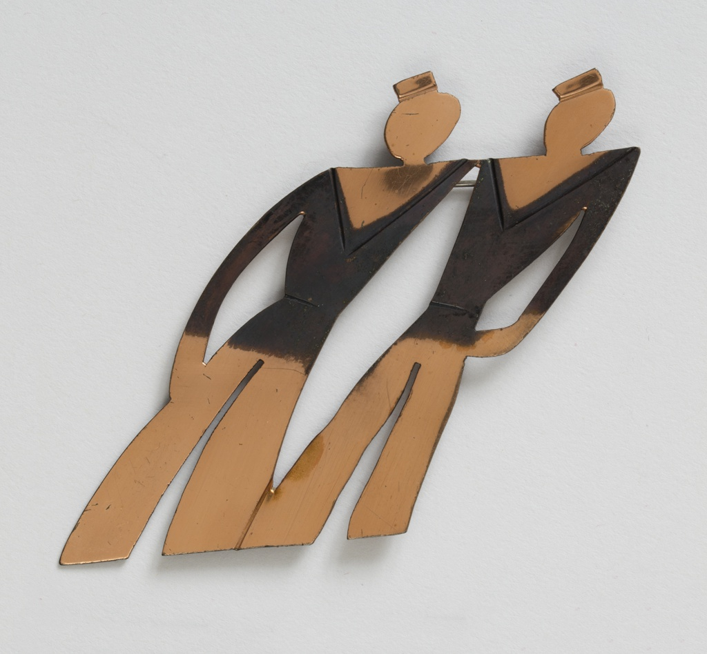 Brooch in the form of two sailors
