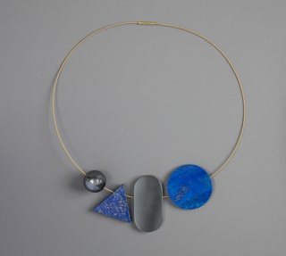 Serie Kasten (Box Series) Necklace With Pendants And Box