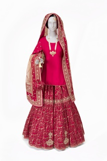 1063-85 Worn by Saba Ali, Contemporary Muslim Fashions community outreach group member