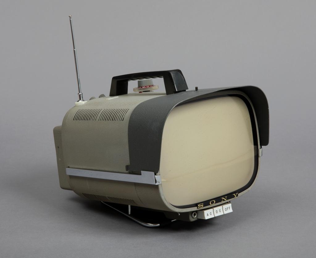 TV8-301 Portable Television
