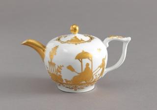 "Teapot with ""Hausmaler"" Decor Teapot"