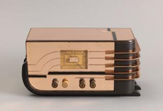 Model 558-C Radio
