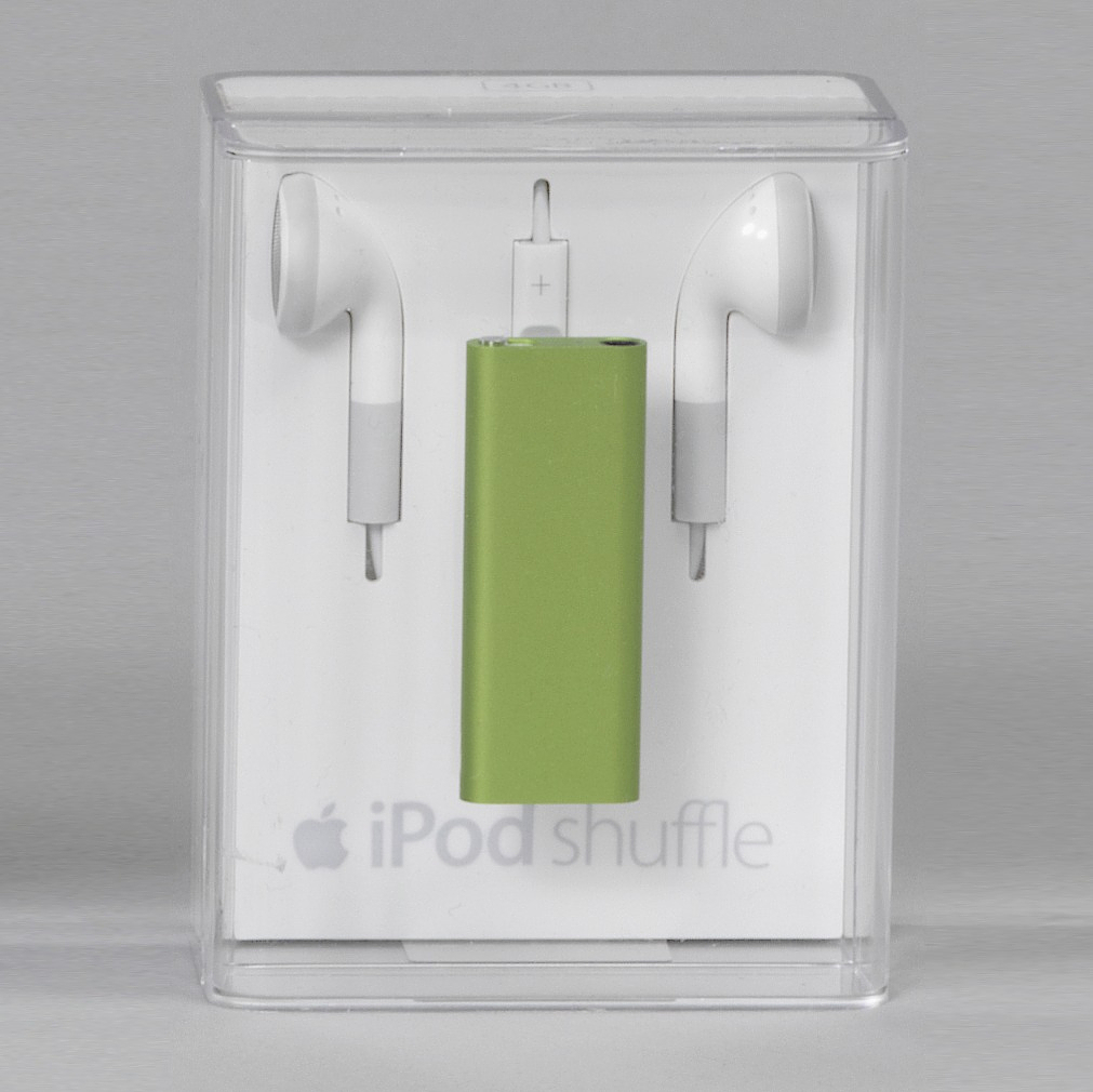 Green aluminum rectangular form.