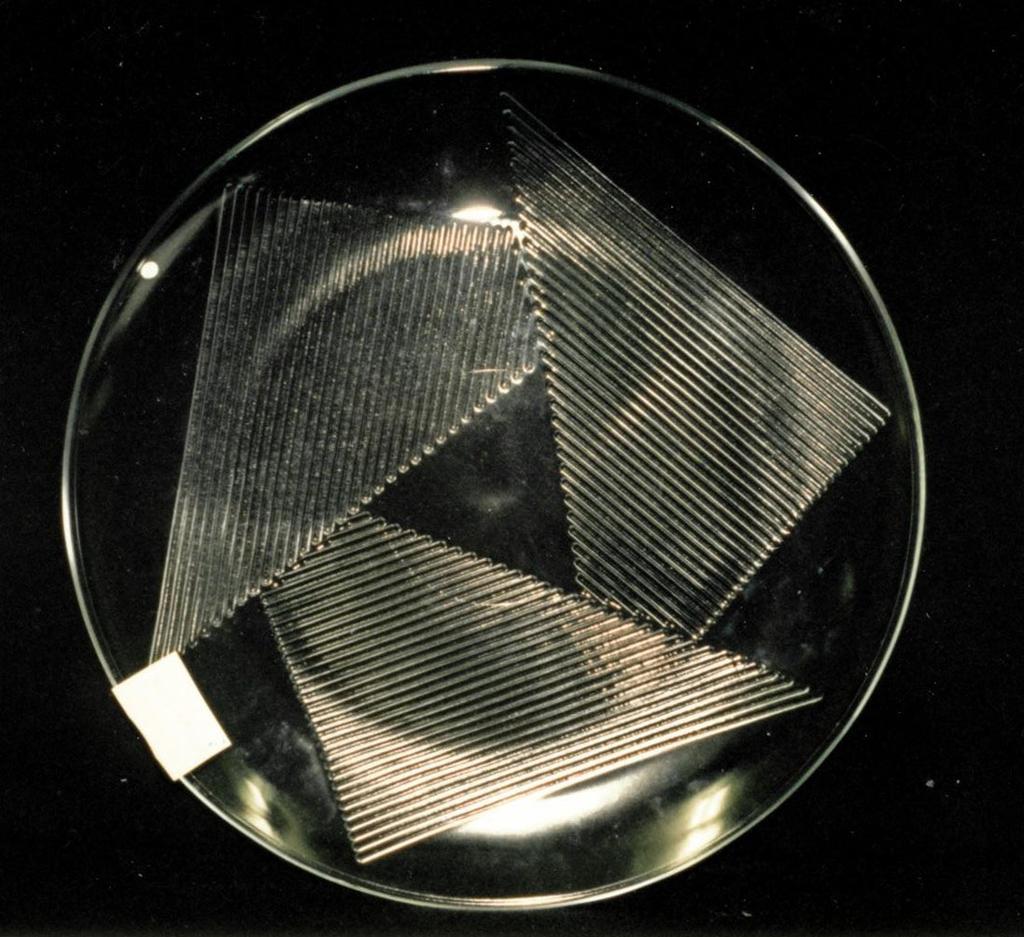 Triangular ridged pattern.  Platter
