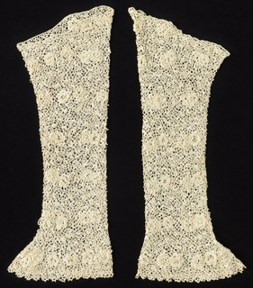 Pair of sleeves crocheted in white linen with a design of roses.