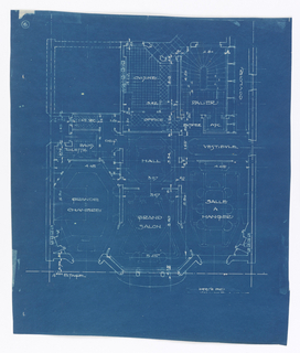 Floor plan for the 4th floor of the apartment building on Rue Heine. Function of rooms and scale labelled throughout design.