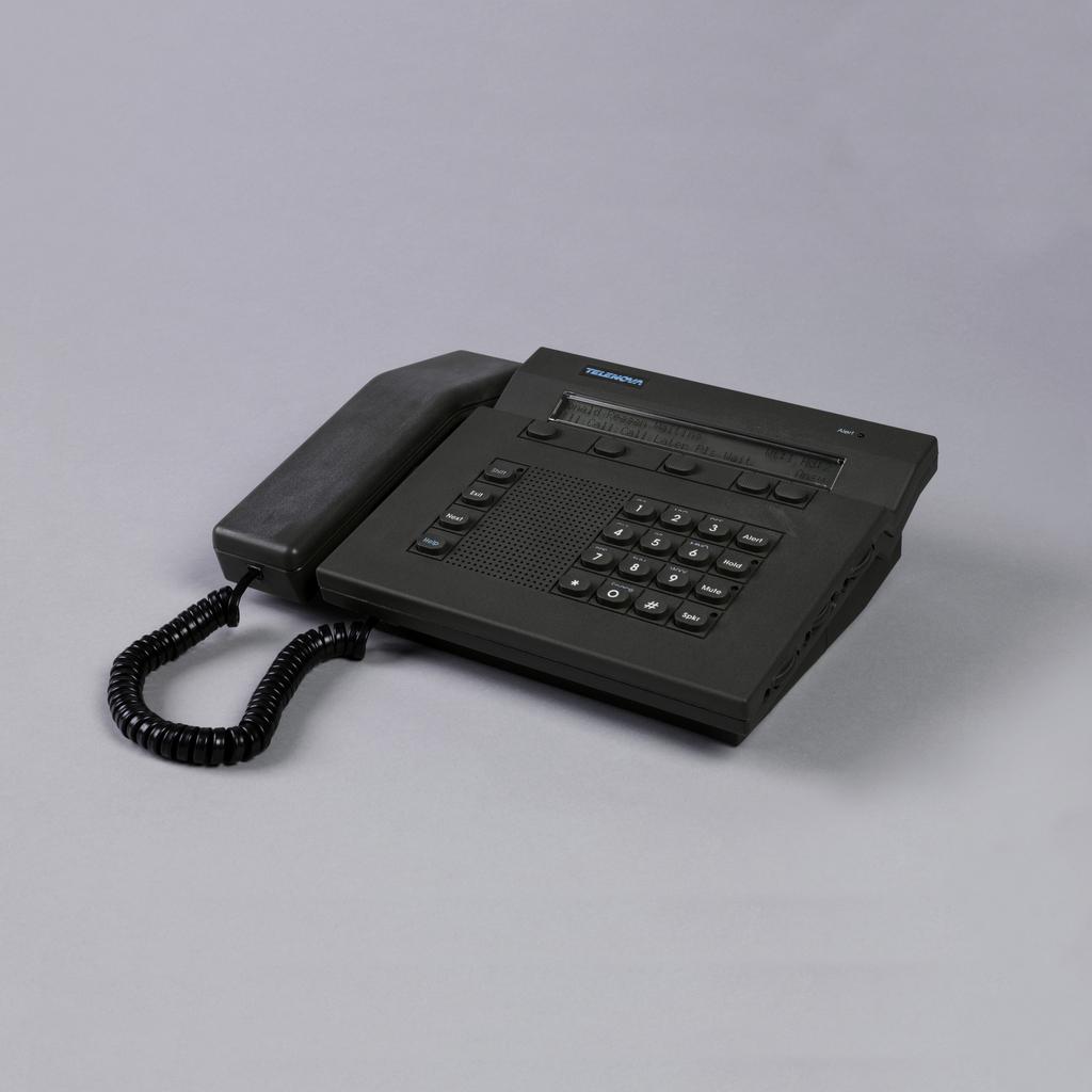 Telenova Station Set Desktop Telephone