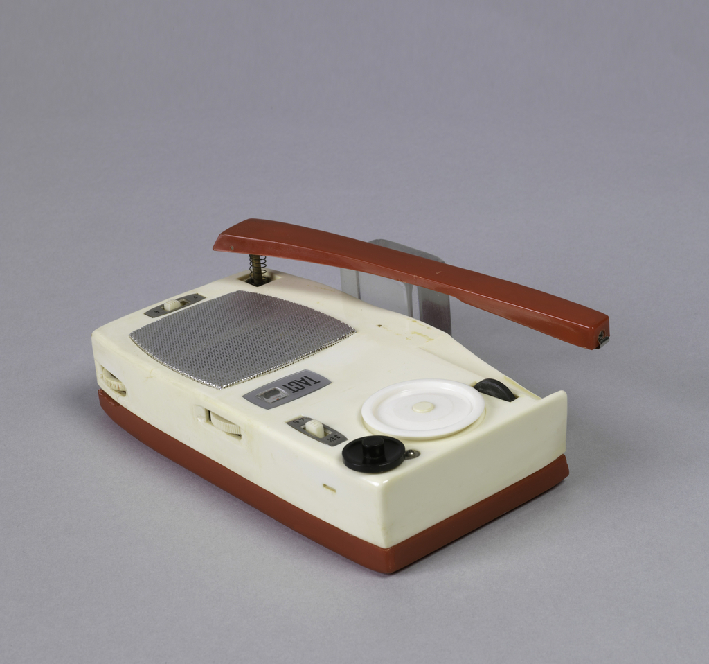 TPR-61 Portable Phonograph Radio, ca. 1962 | Objects | Collection of Cooper  Hewitt, Smithsonian Design Museum