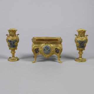 Garniture Of Jardinière And Urns (France)