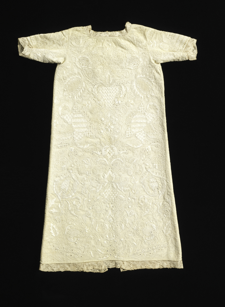 Child's Gown (England)