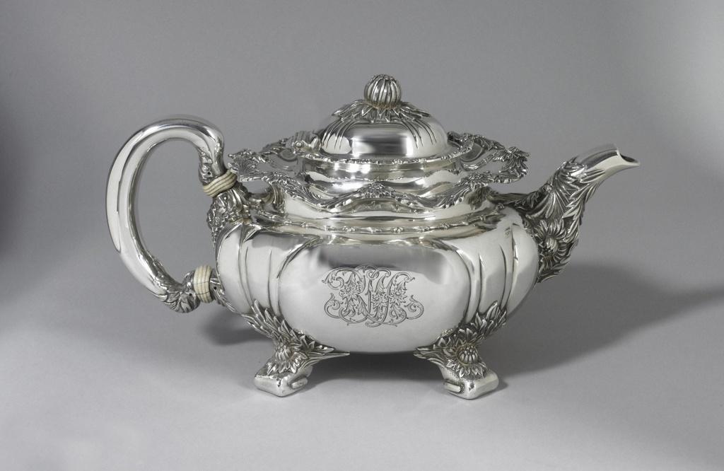 Chrysanthemum Teapot
