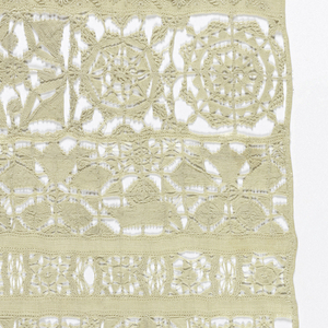 Thirteen cross borders in cutwork with needlepoint stitches and embroidery in satin and curled stitches.