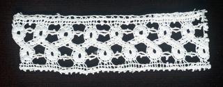 Scrolling tape pattern.