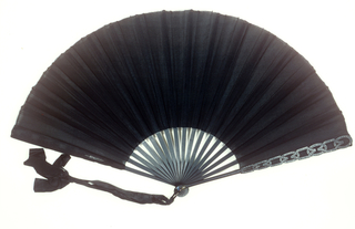Pleated Mourning Fan (France)