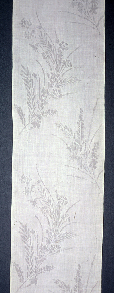 Length of white summer under-kimono fabric. Pattern shows freely placed floral sprays achieved by widening the distance between warp and weft threads.