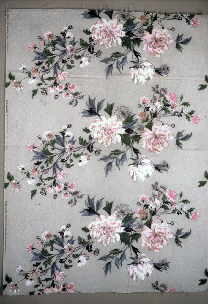 Floral spray designed to work either as a horizontal or a vertical.