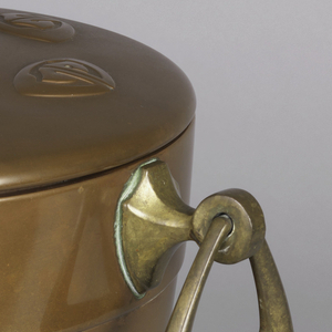 urn form with stepped lid in copper, with brass handles and foot