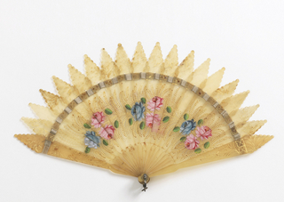 Brisé fan of translucent, off-white horn with scalloped points at the top, painted with clusters of blue and red roses and sprays of gold leaves.