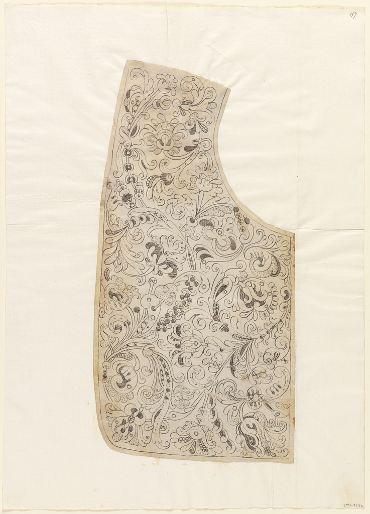 Design for needle lace collar with intricate plantlike design forms.
